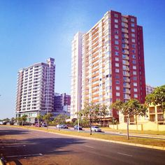 ★ℒ ★Argyle Road Durban South Africa, Kwazulu Natal, East Coast, Art Images, Childhood Memories, Countries, Skyscraper, Birth, Cities