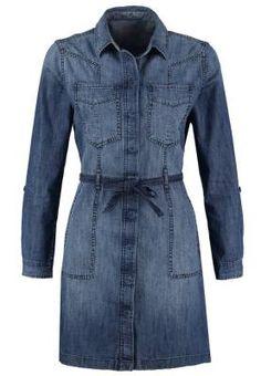 Edc By Esprit Vestido Informal Blue La Moda, Nacida Para Uniformar La interpretación del denim no tiene límite y los vestidos vaqueros forman parte de una de sus mayores apuestas por su funcionalidad, estilo y comodidad al servicio de la mujer.