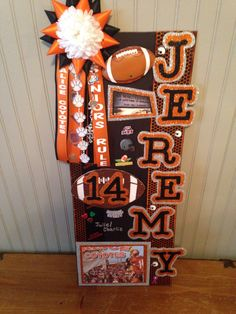 13 best photos of cute football homeing poster ideas sensational locker decorations Homecoming Poster Ideas, Homecoming Signs, Football Homecoming, Homecoming Spirit, Homecoming Mums, Locker Room Decorations, Football Locker Decorations, Football Decor, Football Locker Signs