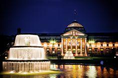 Kurhaus - Spa hotel in Wiesbaden at night