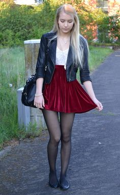 Flats and burgundy skirt - - Outfit - Pantyhose Skirt, Pantyhose Fashion, Pantyhose Outfits, Black Pantyhose, Fashion Tights, Black Tights, Nylons, Fashion Flats, Women's Fashion