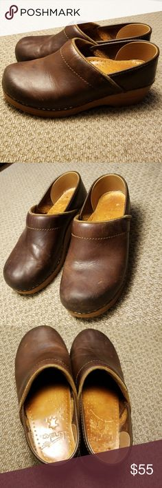 """Dansko brown leather clogs size 36 (US size 5.5-6) Good used condition. Dansko professional clogs in oiled leather """"antique brown-blonde"""" Dansko Shoes Mules & Clogs"""
