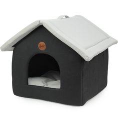 32,00 EUR | Vankka on lemmikin oma yksiö! Kokoontaittuva Vankka on helppo ottaa matkalle mukaan. Lemmikkisi on yksiössään valolta ja vedolta piilossa. Vankka on kauttaaltaan kangasverhoiltu, ja sen tyyny on irrotettava. Suunniteltu kissoille, kaneille, jyrsijöille ja pienille koirille.<ul><li>Koko 43 x 39cm.</li></ul>