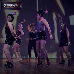"""""""El baile es una gran habilidad para tener en la vida, te sorprendería de que hay más y más oportunidades de solo bailar en bodas, fiestas, y discotecas. También existe toda una comunidad de gente ahí fuera que se reúne para bailar una vez por semana (o más), además de los eventos a los que puedes ir, si sabes bailar. #AcademiaDeBaileCali"""""""