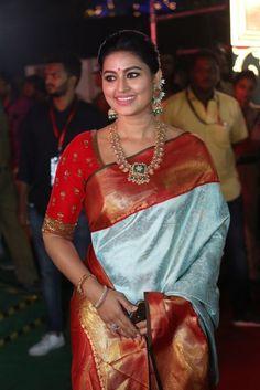 Pure Kanchipuram Silk Saree| Marriage Silk Saree Subscribe on youtube for more collections! Saree Blouse Neck Designs, Fancy Blouse Designs, Bridal Blouse Designs, Indian Bridal Sarees, Indian Beauty Saree, Wedding Sarees, Sneha Saree, Lehenga Saree, Wedding Saree Collection