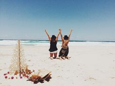 FP Holidays Across The Globe: An Australian Summer Beach Gathering | Free People Blog #freepeople