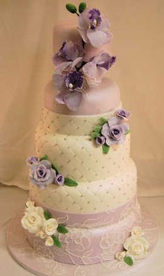 lavender and white cake by Cake Art Studio Amazing Wedding Cakes, White Wedding Cakes, Amazing Cakes, Gorgeous Cakes, Pretty Cakes, Cupcakes, Cupcake Cakes, Purple Cakes, Just Cakes