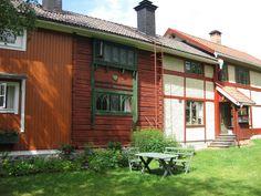 https://flic.kr/p/5oddYS | Home of Karin and Carl Larsson II | Home of artists Carl Larsson (1853-1919) and Karin Larsson (1859-1928). Additions were made as the family grew.  Lilla Hyttnäs, Sundborn, Dalarna, Sweden.  www.carllarsson.se (website also in english)