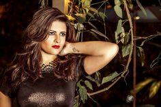 Mônica Guedes lança disco e se despede da carreira. Envolvida desde os 15 anos de idade com arte, seja como atriz, compositora, cantora ou apresentadora, Mô