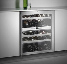 Wine Climate Cabinet - With two independently controlled climate zones, the RW 404 enables professional wine storage in an exceptionally small space. Perfect to integrate in a dining/living space