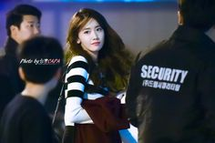 台灣capa的k-Pop世界: 允兒YoonA在台北餐廳門口by CAPA 20151031