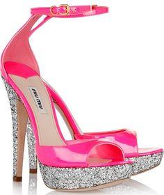 I sandali glitterati di Miu Miu dal sapore Barbie style