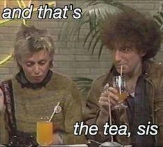 And that's the tea sis John Deacon Roger Taylor Queen Photos, Queen Pictures, John Deacon, Freddie Mecury, Rainha Do Rock, Queen Meme, Queen Aesthetic, Roger Taylor, Queen Freddie Mercury