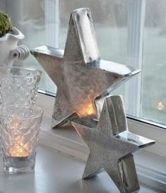 Silver Christmas, Christmas Colors, Christmas And New Year, Christmas Decorations, Cottage Christmas, Christmas Home, Christmas Stars, Candle Power, Lantern Lamp