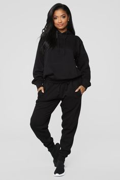 Stole Your Boyfriend's Oversized Hoodie – Black – fashion nova jeans outfits Black Hoodie Outfit, Oversized Hoodie Outfit, Sweatpants Outfit, Lazy Outfits, Teenager Outfits, Cute Outfits, Summer Outfits, Fashion Outfits, Models