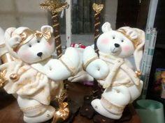 Muñecos navideños Traditional Christmas Tree, Diy And Crafts, Flora, Teddy Bear, Christmas Ornaments, Toys, Holiday Decor, Animals, Bb