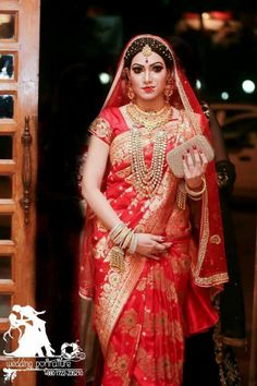 Like the way sari was wearing and jewelry is good too, her standing pose is Lehenga Saree, Bridal Lehenga, Saree Wedding, Silk Sarees, Wedding Bride, Sari, Indian Dresses, Indian Outfits, Maternity Fashion