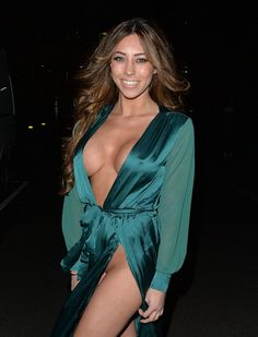 Pascal Craymer experienced multiple wardrobe malfunctions outside Steam & Rye club in London http://celebs-life.com/pascal-craymer-experienced-multiple-wardrobe-malfunctions-outside-steam-rye-club-in-london/  #pascalcraymer