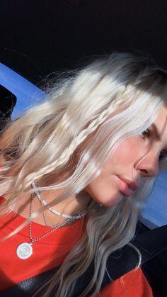 Summer Hairstyles, Pretty Hairstyles, Straight Hairstyles, Hair Inspo, Hair Inspiration, 90s Grunge Hair, Brown Blonde Hair, Icy Blonde, Dye My Hair