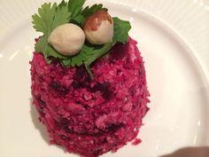 Deze vegetarische couscous van bloemkool is een ultiem gezond gerecht. Het recept is afkomst van Simone's Kitchen. Lees hier hoe je het maakt!