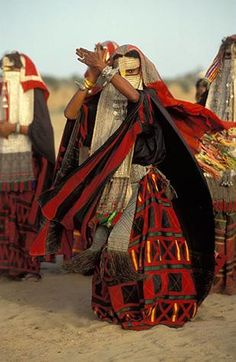 Women of the African Ark - Rashaida woman dancing, Eritrea. Photography by Carol Beckwith & Angela Fisher Cultures Du Monde, World Cultures, We Are The World, People Around The World, Niqab, Eritrean, African Tribes, African Women, African Culture