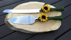 Wedding Cake Cutting, Wedding Cake Server, Country Wedding Cakes, Rustic Wedding, Sunflower Cakes, Cake Cutters, Cake Knife, Autumn Wedding, Rustic Chic