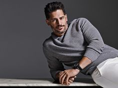 Joe Manganiello slicked back hairstyle. Learn how to get a cool slick hairstyle just like actor Joe Manganiello. Joe Manganiello Magic Mike, Joe Maganiello, Side Part Hairstyles, Slicked Back Hair, Sofia Vergara, Hair Styles 2016, Most Beautiful Man, Sexy Men, Sexy Guys