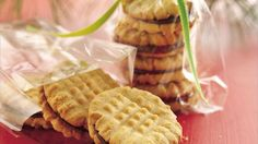 Sounds good, I think I will put these on my cookie trays this year.  Treat your family with these sandwich cookies made with peanut butter and chocolate chips - a tasty dessert.