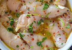 Marinade coriandre, chili et lime Cilantro Lime Chicken, Chicken And Shrimp, Chicken Bacon, Chicken Recipes, Seafood Recipes, Grilled Fruit, Grilled Vegetables, Grilled Vegetable Recipes, Grilling Recipes