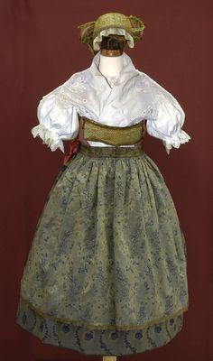 Melnik (Czech Republic) Bohemian Costume, Costumes Around The World, Red Boots, Folk Costume, Fashion History, Czech Republic, Celtic, The Past, Folk Clothing