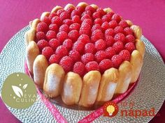 Cukrárka ukázala geniálne triky na zdobenie dezertov, za ktoré by ste si v cukrárni poriadne priplatili: Túto nádheru zvládnete celkom sami!