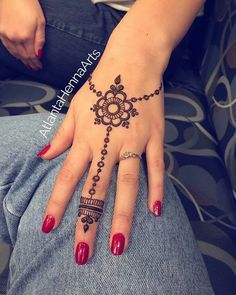 this is so cute! // by @atlantahennaarts . #henna #mehndi