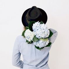 blooms and a brim