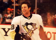 James Neal I am so in love with you.