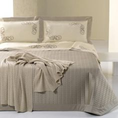 Completo lenzuola matrimoniali in puro raso di cotone al 100% http://www.lineahouse.it/product.php?id_product=100