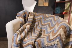 Ready to crochet a super cute and easy chevron afghan? We have the perfect pattern just for you!