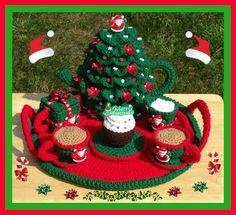 Christmas Party Tea Set Crochet Pattern PDF $7.99 on Etsy at http://www.etsy.com/listing/128905837/christmas-party-tea-set-crochet-pattern