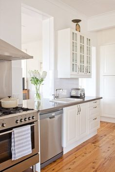 This kitchen is a delicious improvement on the crumbling, dilapidated space it used to be, thanks to a Home Beautiful competition.
