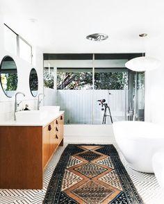 75 Most Popular White Bathroom Design Ideas for 2018 - Di Home Design Gray Bathroom Decor, Grey Bathrooms, Laundry In Bathroom, White Bathroom, Bathroom Ideas, Anchor Bathroom, Family Bathroom, Simple Bathroom, Bathroom Renovations
