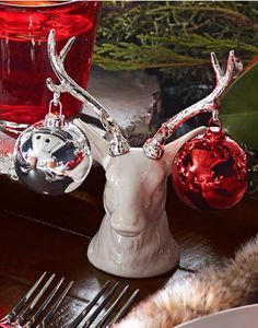 Awesome antler head salt and pepper shaker set http://rstyle.me/n/tfdwebh9c7