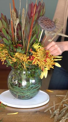 DIY Fall Bouquet with Fresh 038 Dried Flowers DIY Fall Bouquet with Fresh 038 Dried Flowers Bindle 038 Brass Trading Company bindlebrasstradingcompany Giving Thanks Ever wonder if you nbsp hellip videos tisch Funeral Floral Arrangements, Modern Floral Arrangements, Artificial Floral Arrangements, Christmas Floral Arrangements, Dried Flower Arrangements, Beautiful Flower Arrangements, Dried Flowers, Flower Vases, Beautiful Flowers
