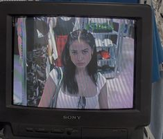 this is me passing by the store's camera, I'm mad because the bitch from the camilla left me without milkshake, hit her! Retro Aesthetic, Aesthetic Grunge, Aesthetic Photo, Aesthetic Girl, Aesthetic Pictures, Foto Fantasy, Insta Photo Ideas, Teenage Dream, Indie Kids