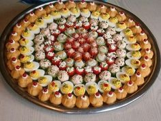 E-mail - Mireille Praet - Outlook Appetizer Buffet, Appetizer Recipes, Snack Recipes, Cooking Recipes, Wedding Food Menu, Party Food Platters, Good Food, Yummy Food, Snacks Für Party