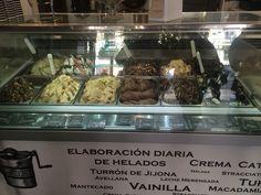 Esta heladería es en la rambla de Alicante. Tiene muchos sabores differentes como Oreo y chocolate puro. Fuera la tienda hay un stand de crepe