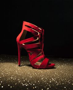 Stand out in our women's party shoes! From glitter to metallic, we've got your Christmas party shoes covered. Hot Heels, Party Shoes, Ladies Party, Christian Louboutin, Pumps, Chain, Heaven, Sexy, Women