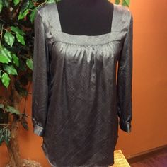 NEW YORK AND CO GRAY DRESSY PEASANT BLOUSE Pretty gray blouse with a gorgeous print.. Has covered buttons on sleeves.. Gently used New York & Company Tops Blouses
