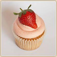 Skinny Strawberry Cupcakes - AccidentalFarmWife.com