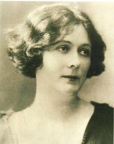 Oberon's Grove: Honoring Isadora Duncan's GRANDE MARCHE