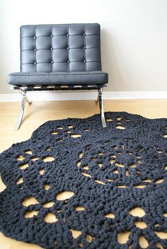 Super chunky doily rug pattern for sale from Erin Black