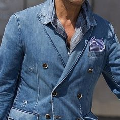 Peak lapel double breasted denim blazer Denim Suit, Denim Blazer, Men's Denim, Chambray, Mike Suits, Formal Men Outfit, Mode Jeans, Denim Ideas, Mens Fall